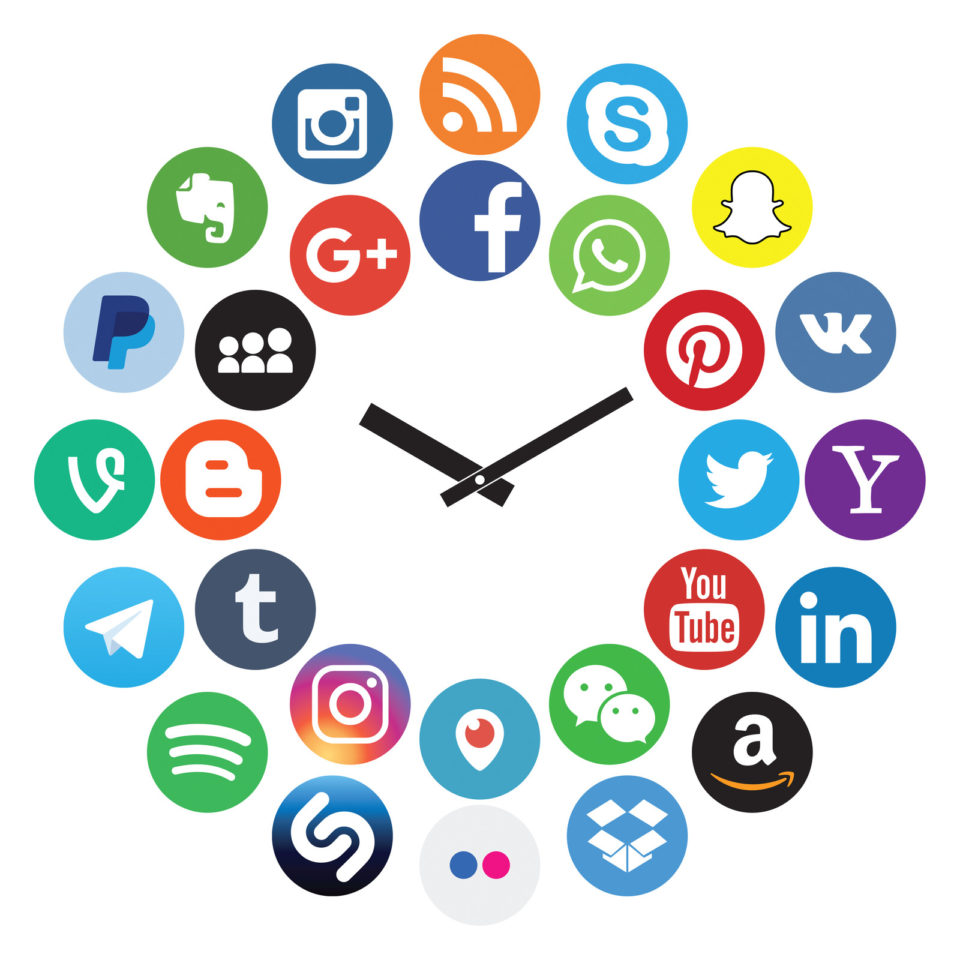 Uhr Social Media  WhatsApp Facebook 749299396