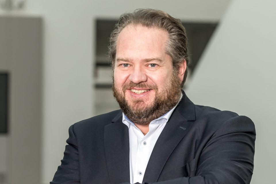 Präsident Prof. Dr. Christian Timmreck forderte die Politik auf, den Prozess der Akademisierung der Gesundheitsberufe in Deutschland deutlich zu beschleunigen.